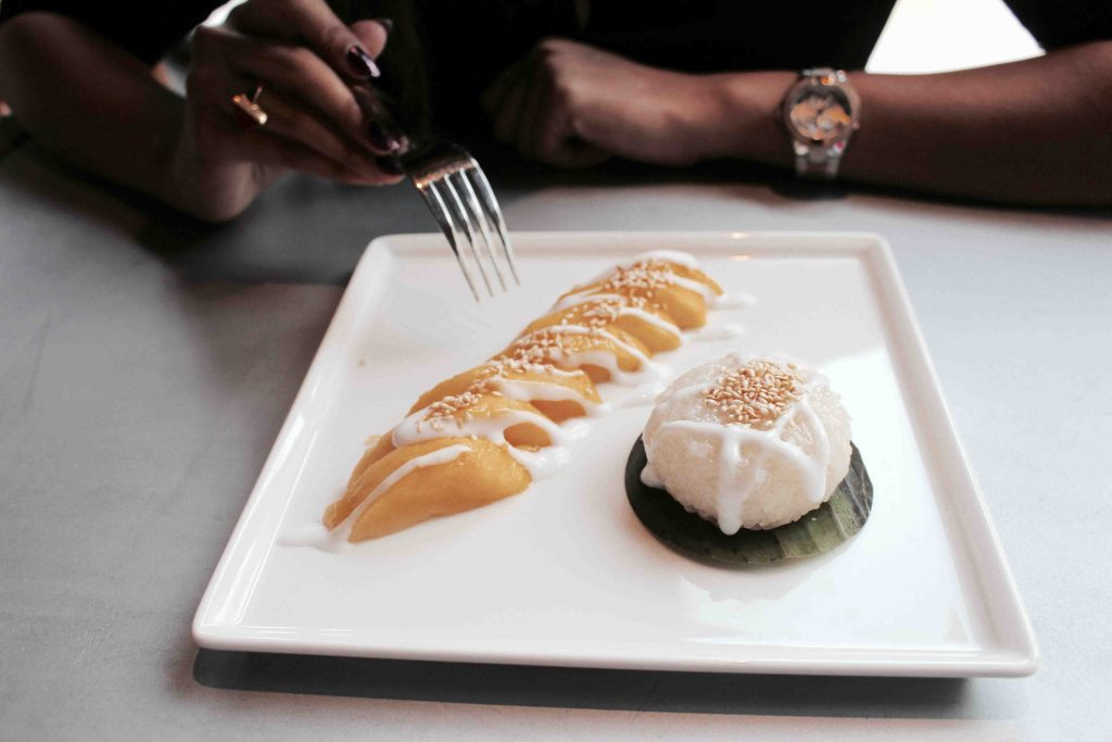 Sticky rice mango pudding